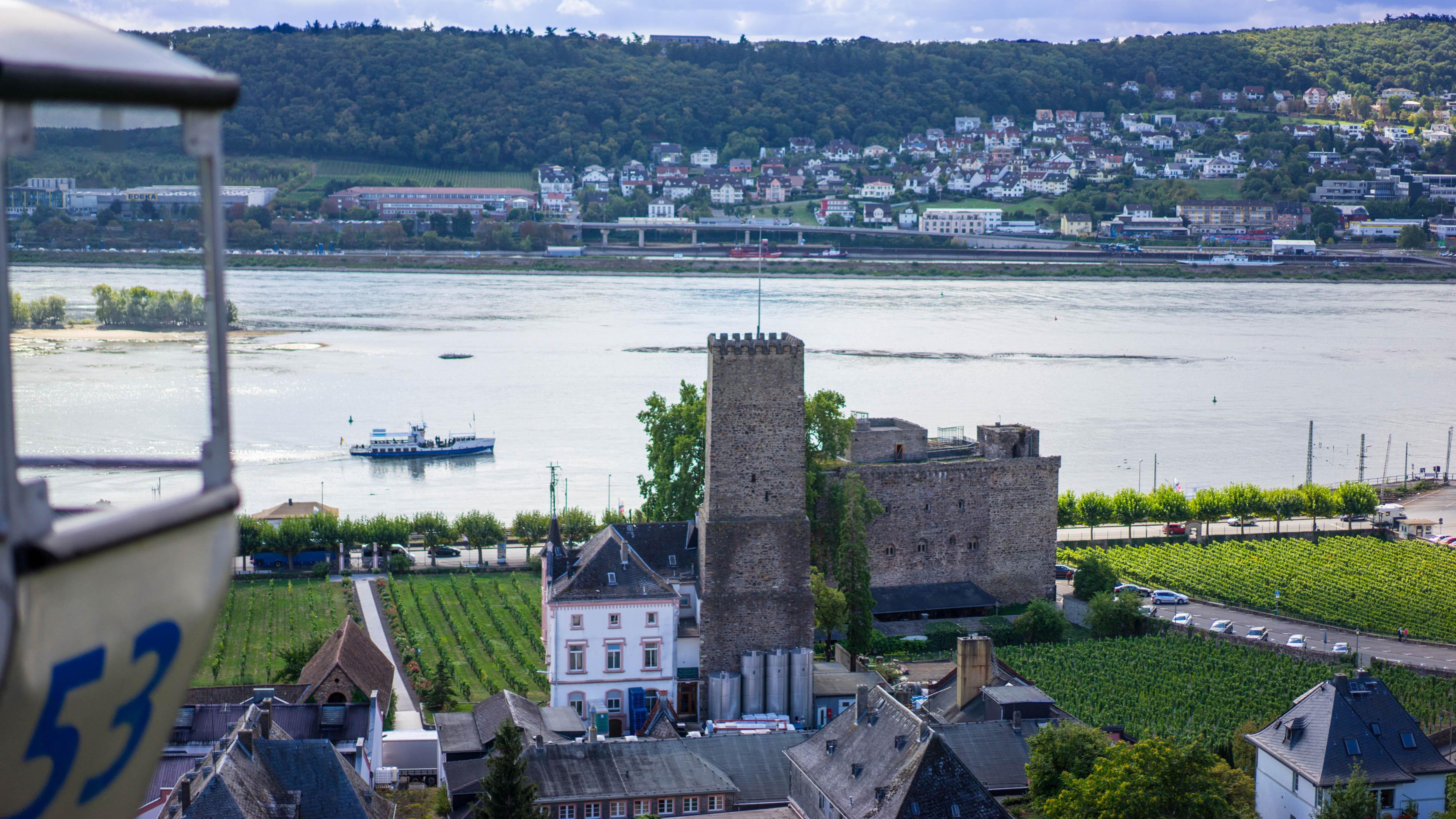 Am Rhein zwischen Bingen und Koblenz, Rüdesheim