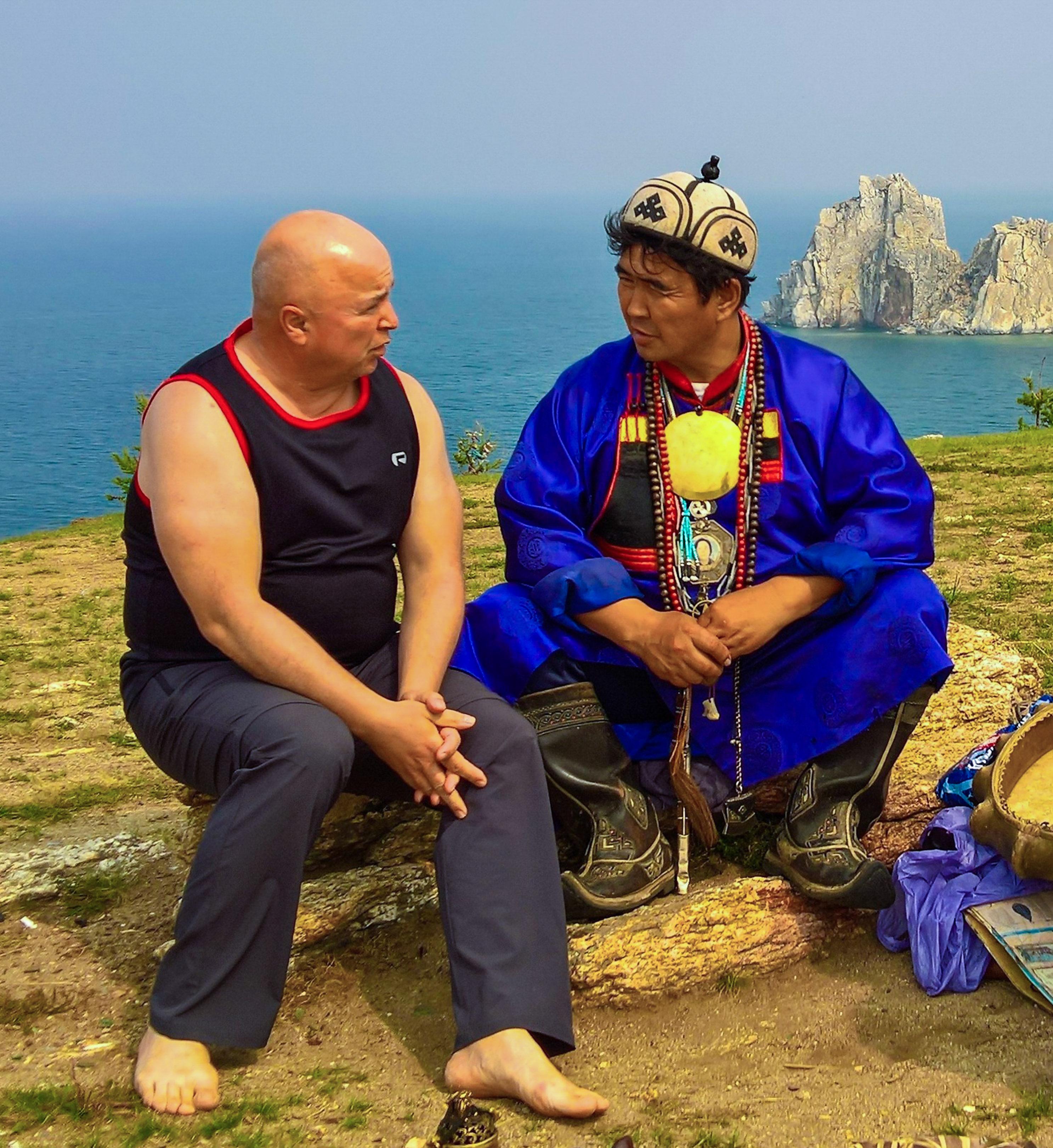 beim legendären burjatisch-mongolischen Schamanen Valentin Hagdaev - Gespräch über Heiliges und den Frieden