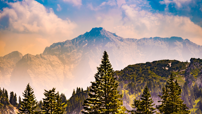 Allgäu, bei Füssen, Blick vom Tegelberg in Richtung Zugspitze (Entfernung ca. 50 km)