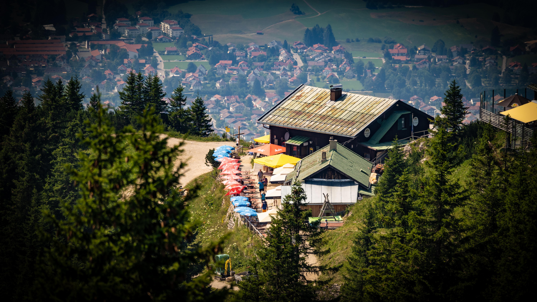 Allgäu, bei Füssen, Aussicht am Tegelberg auf Füssen