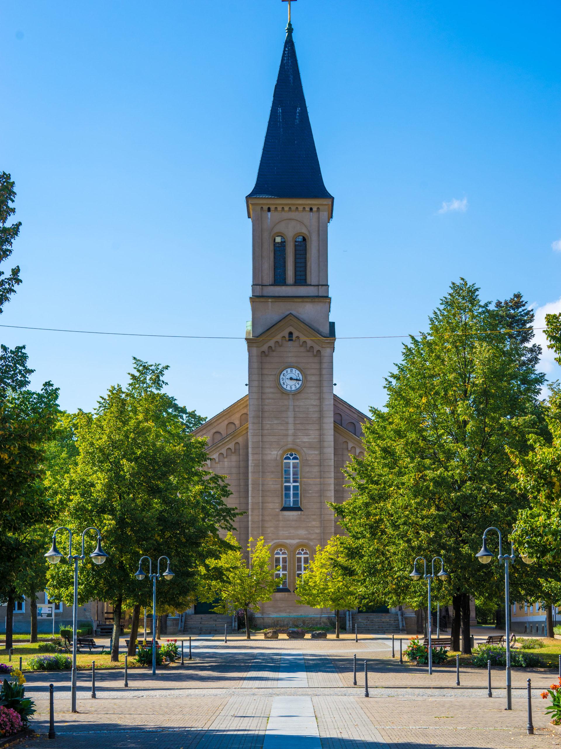 Niesky (sorbisch: Nizka), Oberlausitz, Kirche der Brüdergemeinde am Zinzendorfplatz