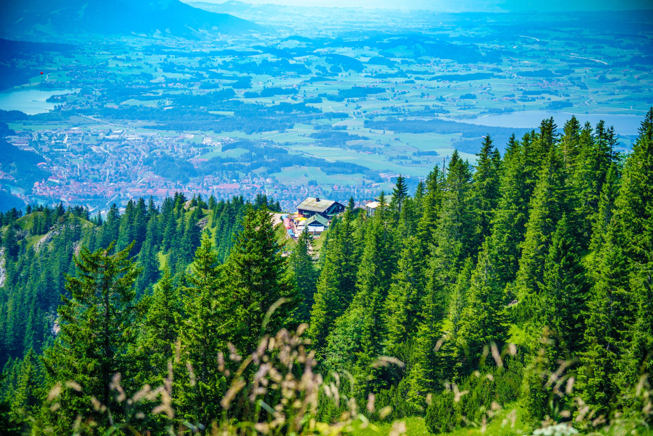 Blick vom Tegelberg auf Füssen