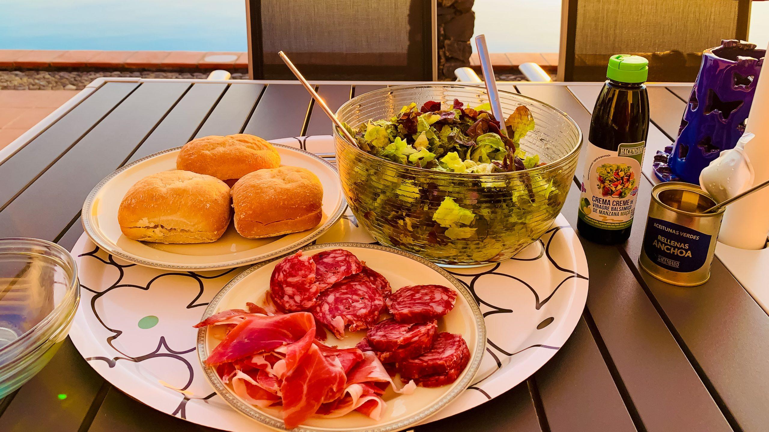 Atlantik, Teneriffa, Finca bei Los Gigantes, spanisches Abendmenü