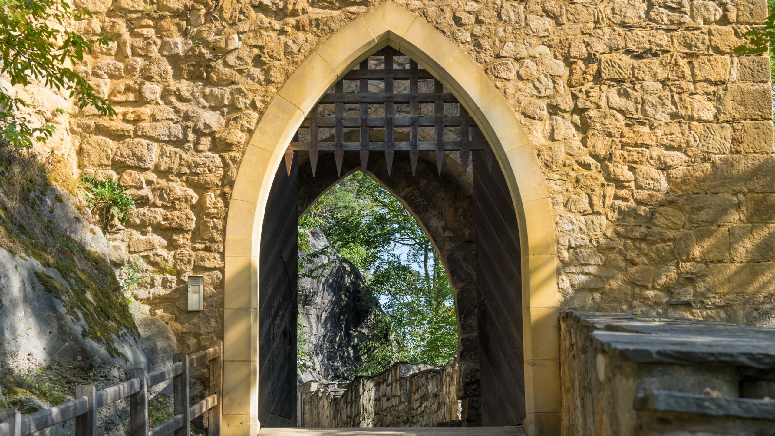 In der Ruine der Burg Oybin, Zittauer Gebirge