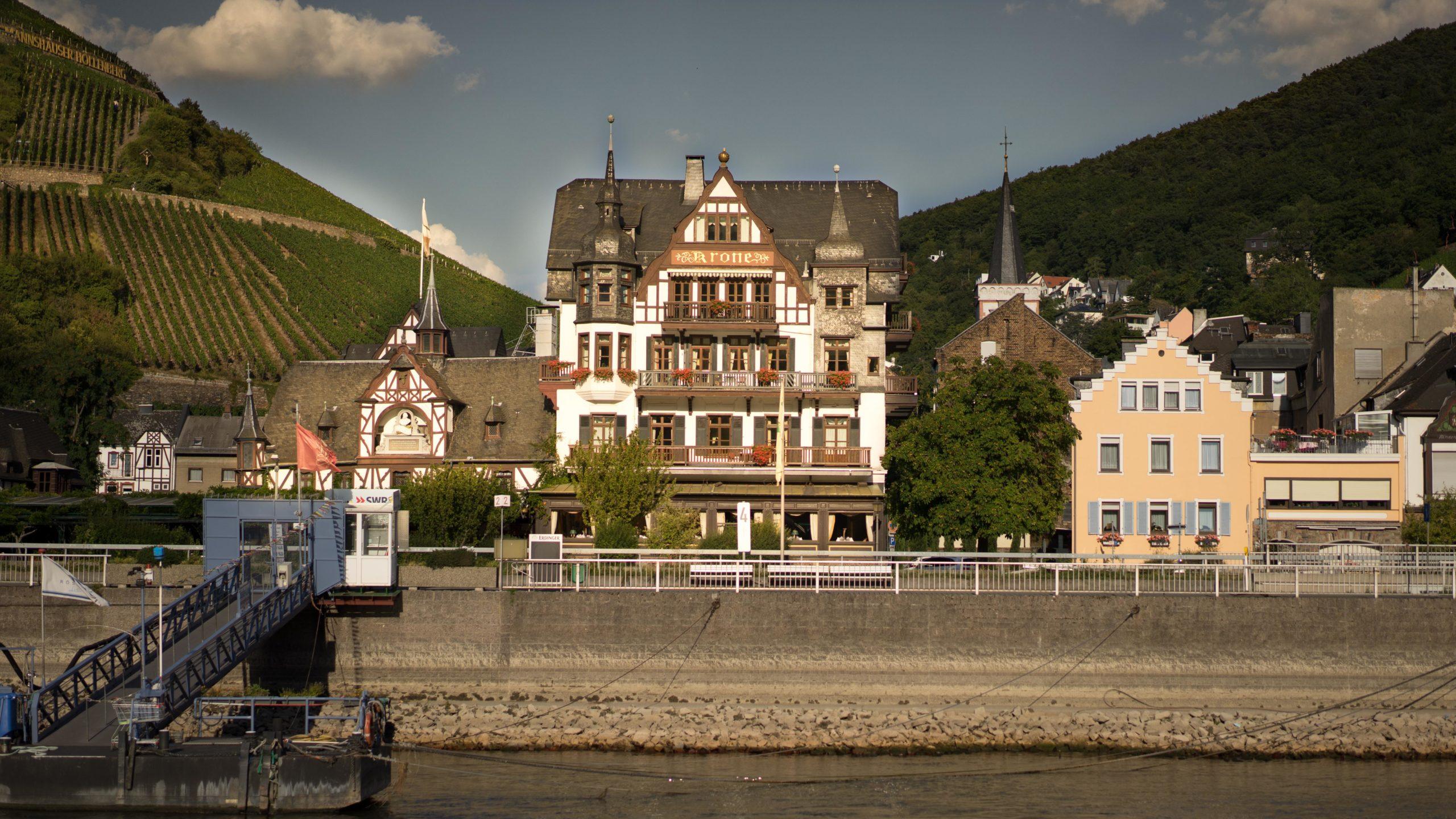 Am Rhein zwischen Bingen und Koblenz, Assmanshausen
