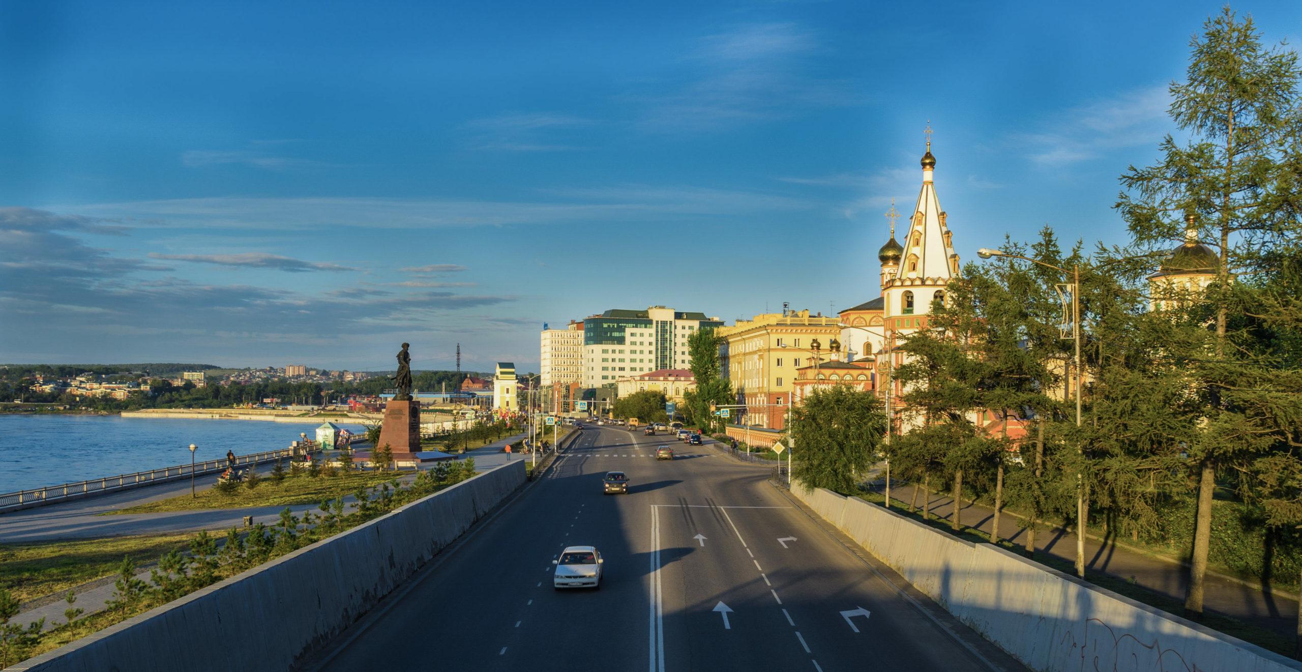 Irkutsk, An der Angara, am Platz der 3 Kirchen