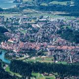 Blick vom Tegelberg auf Füssen im Allgäu