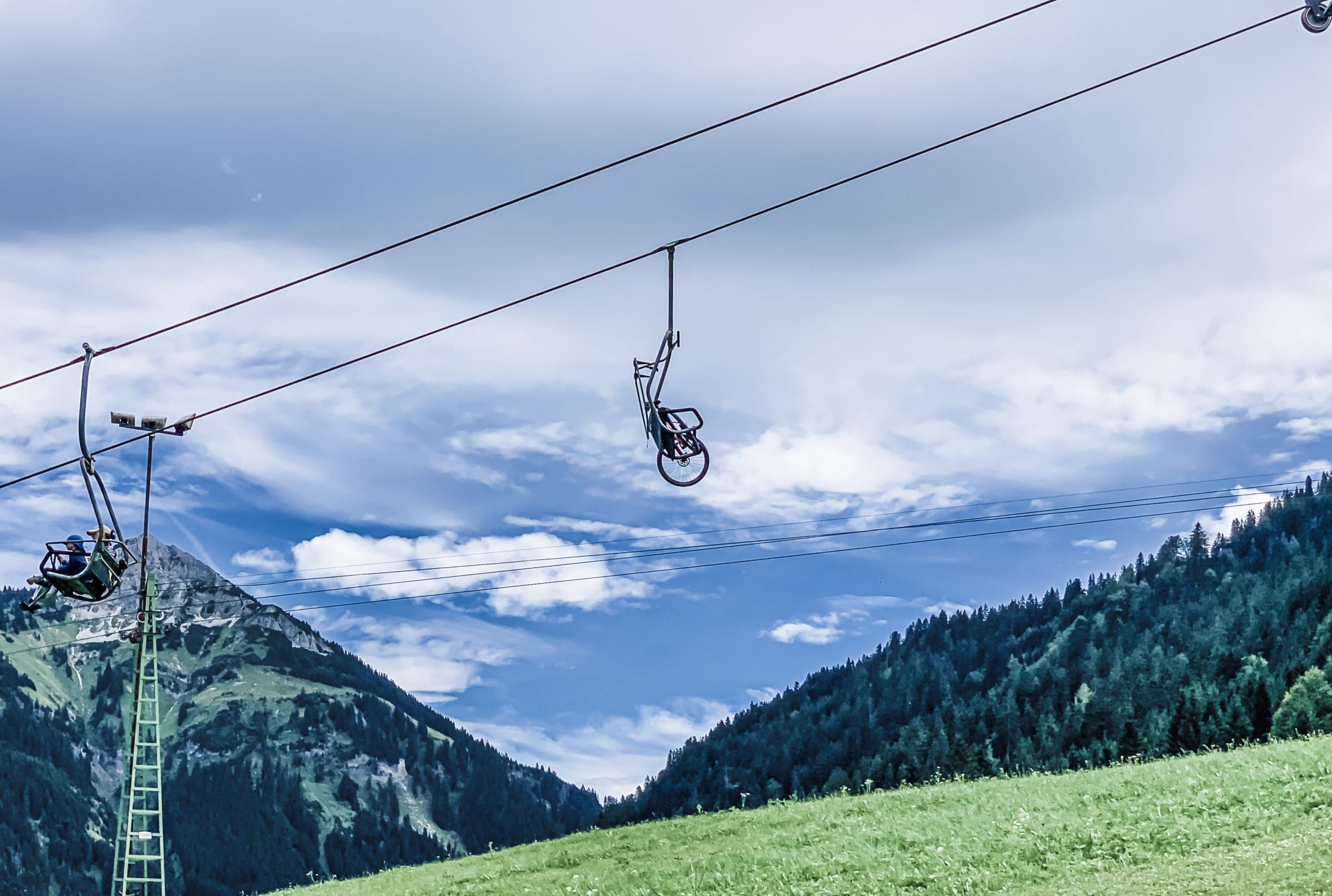 Alpen, Tirol, Tannheimer Tal, Seilbahn