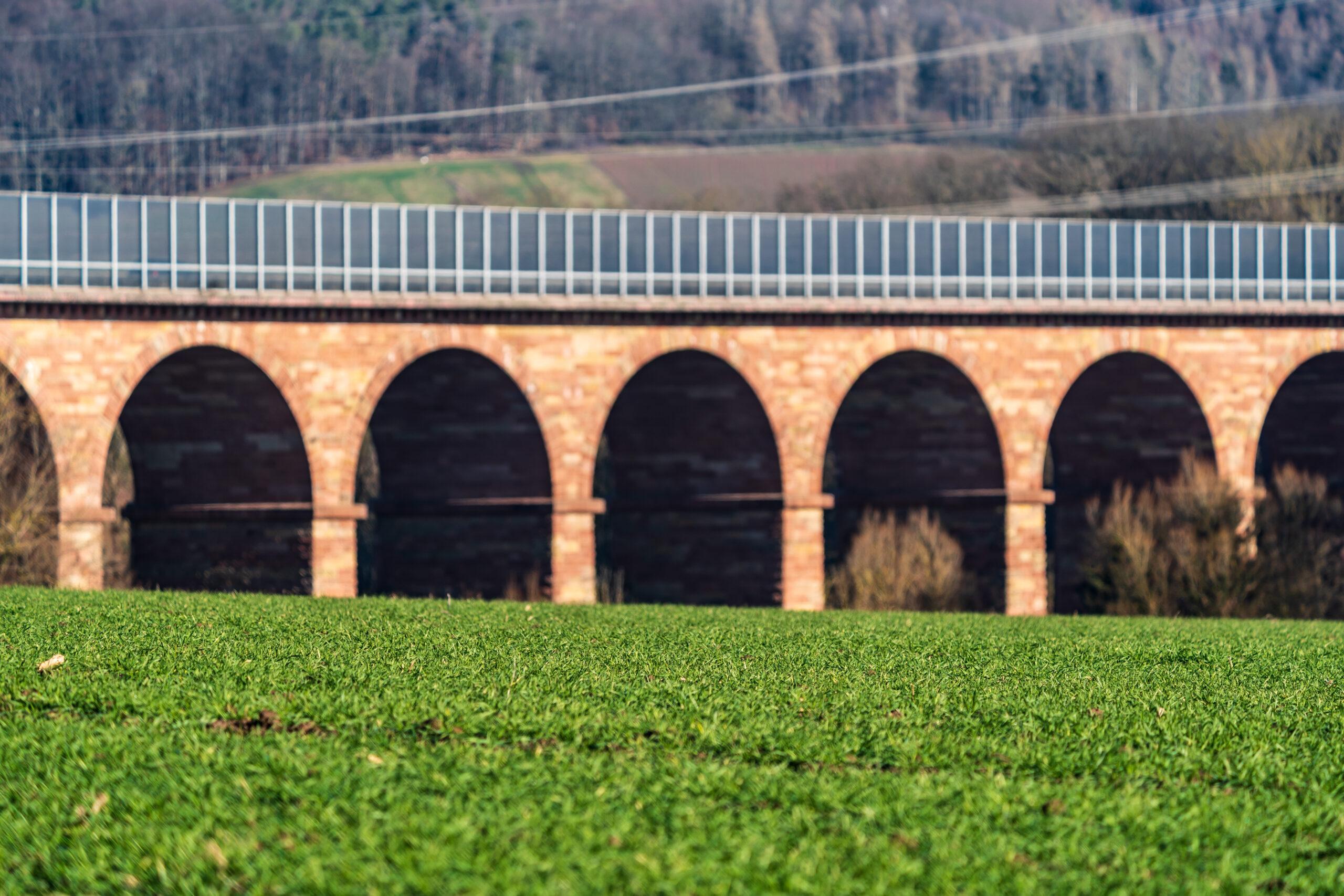 Gerstungen, Gerstunger Forst, A4-Autobahnbrücke Wommen